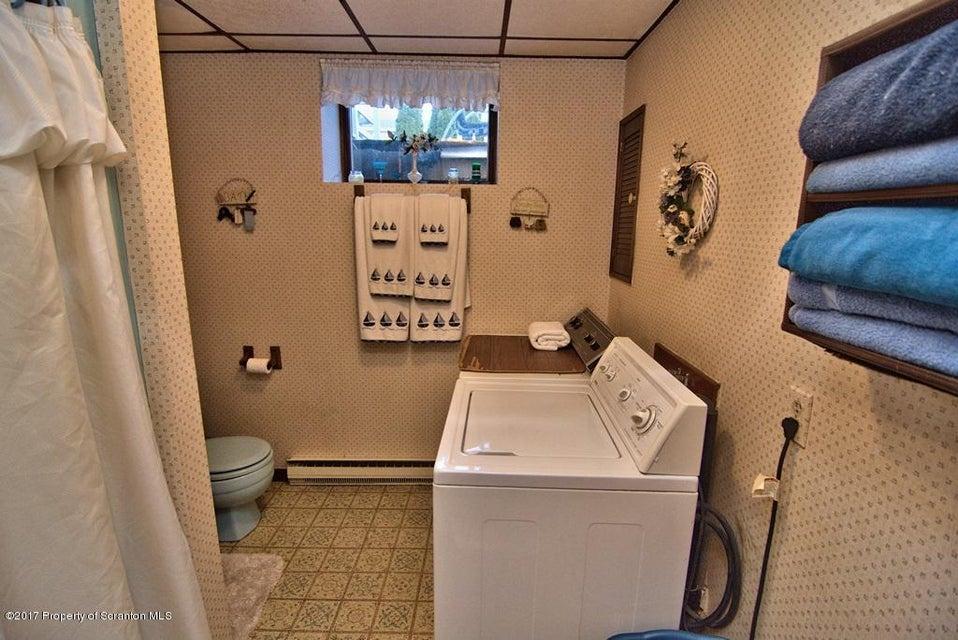7 Giardina Dr,Archbald,Pennsylvania 18403,3 Bedrooms Bedrooms,7 Rooms Rooms,1 BathroomBathrooms,Residential,Giardina,17-1219
