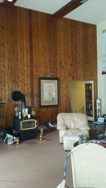 cedar wall-high ceilings