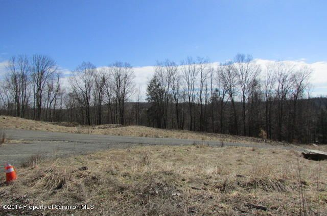 VERY NICE BUIDING SITE WITH GREAT VIEWS. GREAT LOCATION HALFWAY TO TUNKHANNOCK AND MONTROSE.