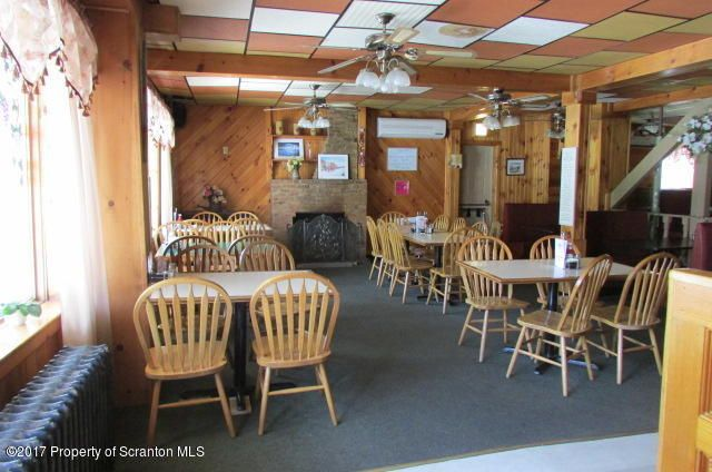 TURN KEY RESTAURANT RIGHT DOWN TO THE SILVERWARE,TABLE,CHAIRS AND APPLIANCES GREAT LOCATION- GREAT INCOME   COME BE YOUR OWN BOSS! CUSTOMERS ARE WAITING. HEAT AND SEWER INCLUDED