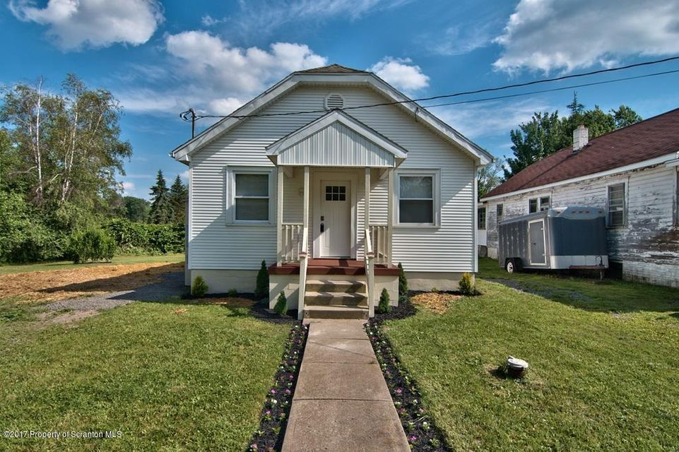 128 Evelyn Ave,Scott Twp,Pennsylvania 18433,3 Bedrooms Bedrooms,7 Rooms Rooms,1 BathroomBathrooms,Residential,Evelyn,17-2914