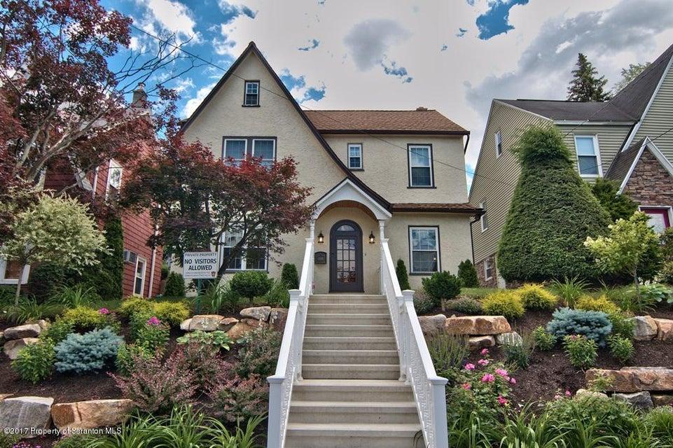 1206 Monroe Ave,Dunmore,Pennsylvania 18509,3 Bedrooms Bedrooms,7 Rooms Rooms,1 BathroomBathrooms,Residential,Monroe,17-2942
