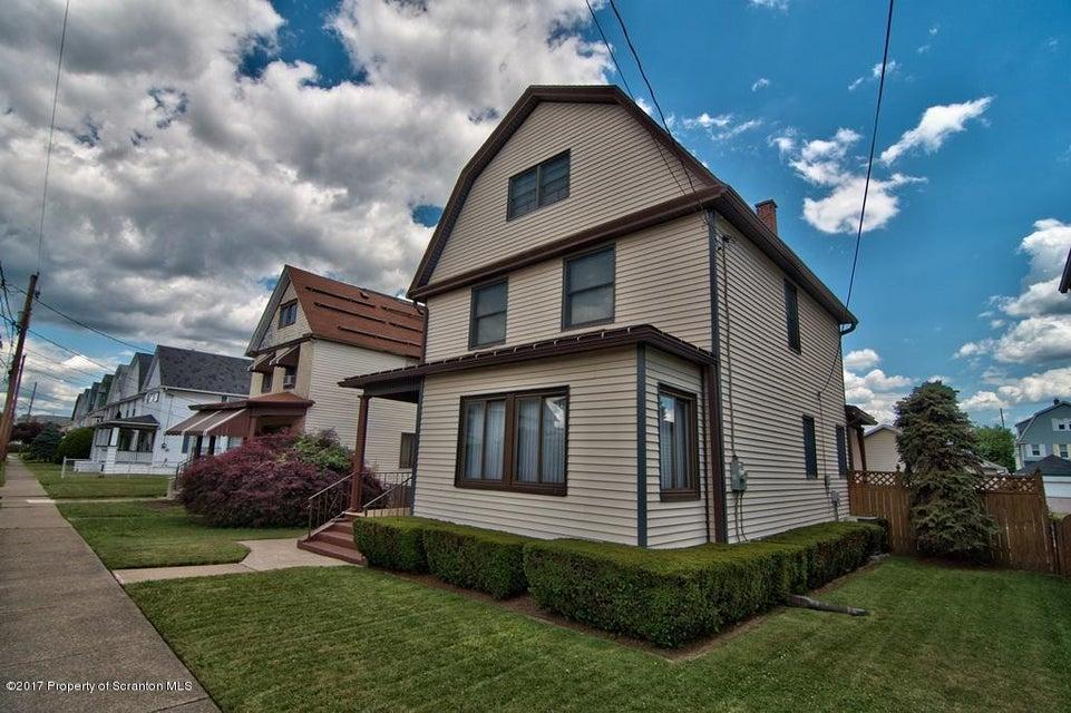1048 Meade Ave,Scranton,Pennsylvania 18508,4 Bedrooms Bedrooms,7 Rooms Rooms,1 BathroomBathrooms,Residential,Meade,17-3001
