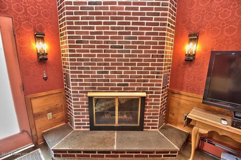 61 Birch Hill Lane Dallas,Pennsylvania 18612,3 Bedrooms Bedrooms,9 Rooms Rooms,3 BathroomsBathrooms,Residential,Birch Hill Lane,17-3155