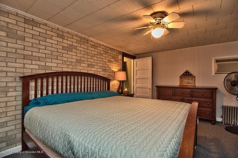 1 Pearl St,Carbondale,Pennsylvania 18407,3 Bedrooms Bedrooms,6 Rooms Rooms,1 BathroomBathrooms,Residential,Pearl,17-3060