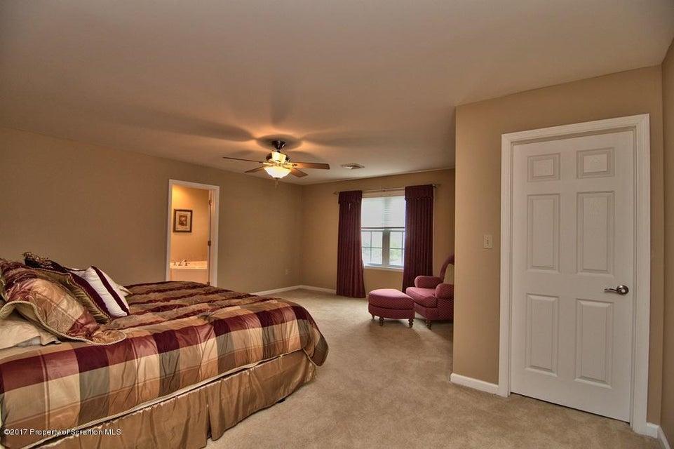 42 Sharon Dr,Moosic,Pennsylvania 18507,3 Bedrooms Bedrooms,6 Rooms Rooms,2 BathroomsBathrooms,Residential,Sharon,17-3290