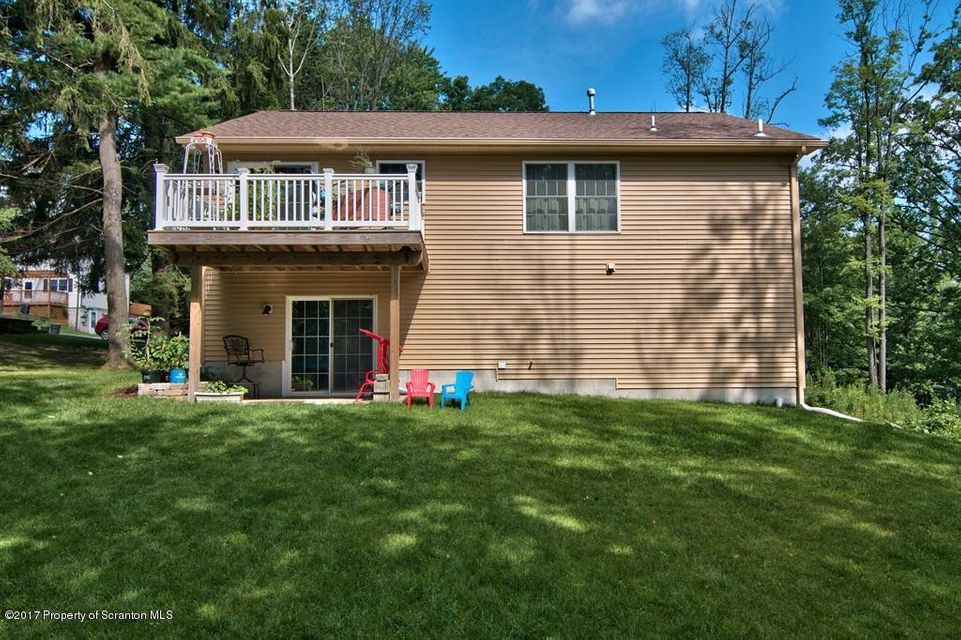 319 Sheridan Ave,Clarks Summit,Pennsylvania 18411,4 Bedrooms Bedrooms,7 Rooms Rooms,3 BathroomsBathrooms,Residential,Sheridan,17-941