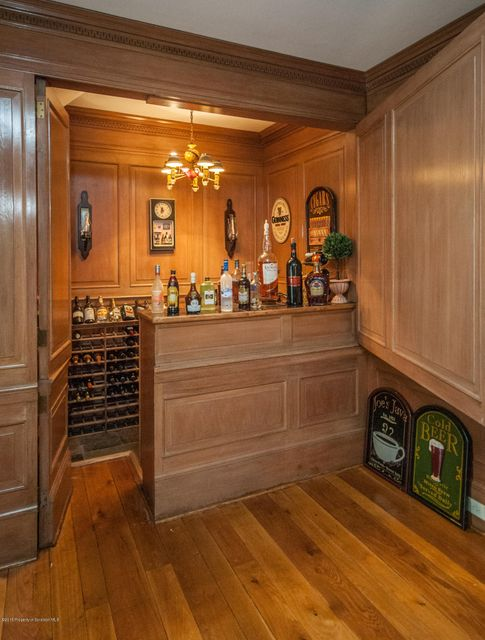 bar in great room