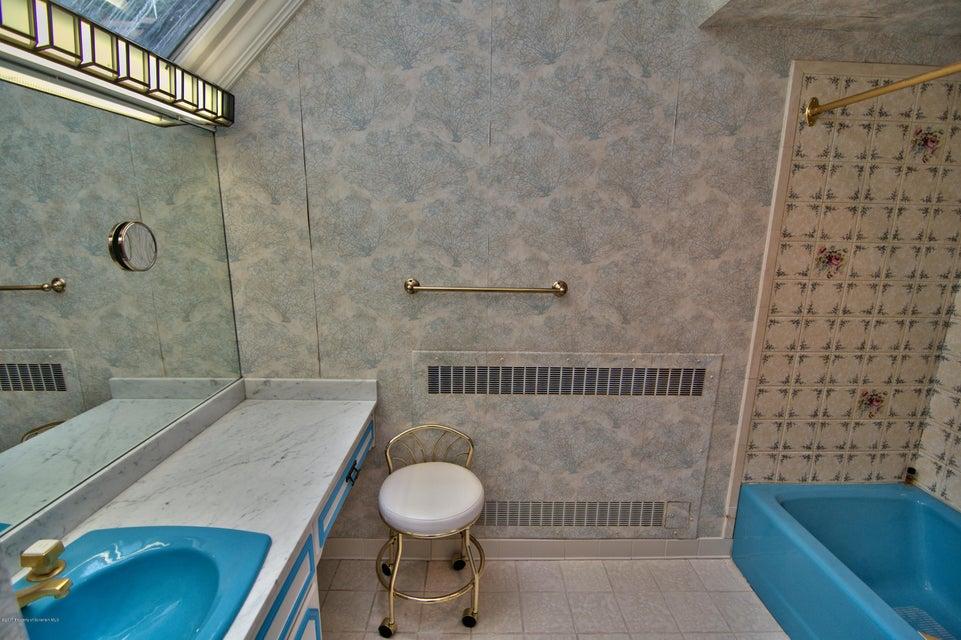 Bedroom 2 Bath View 1