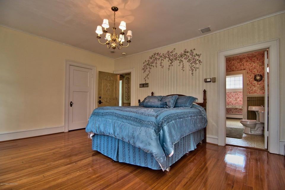 Bedroom 7 View 3