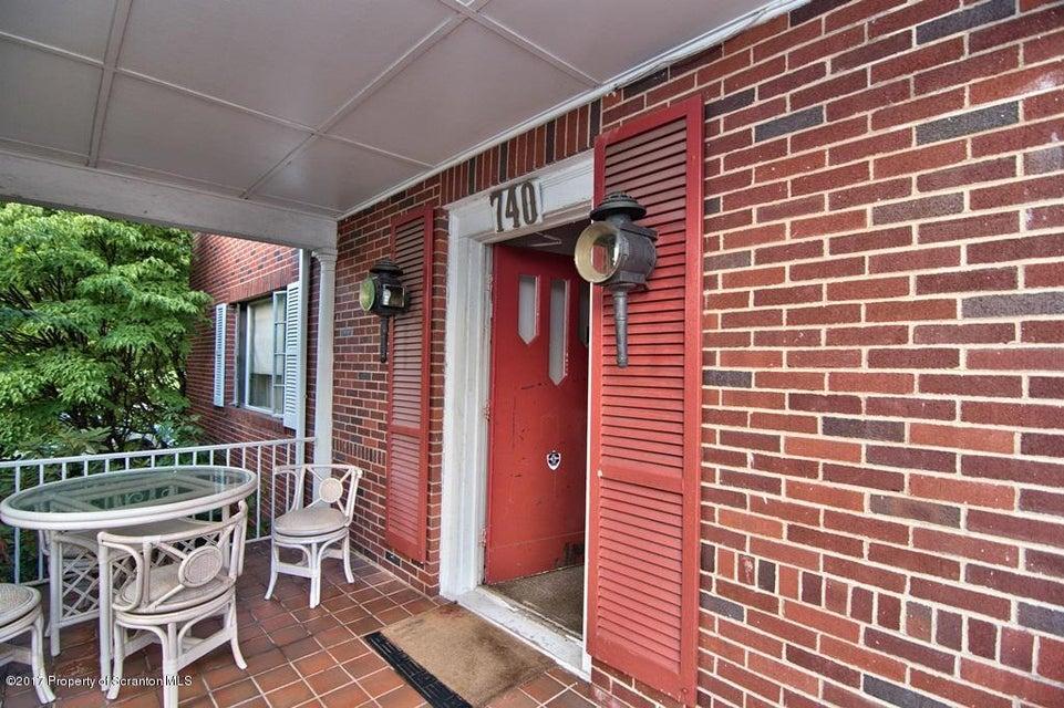 740 Clay Ave,Scranton,Pennsylvania 18510,3 Bedrooms Bedrooms,9 Rooms Rooms,2 BathroomsBathrooms,Residential lease,Clay,17-3736
