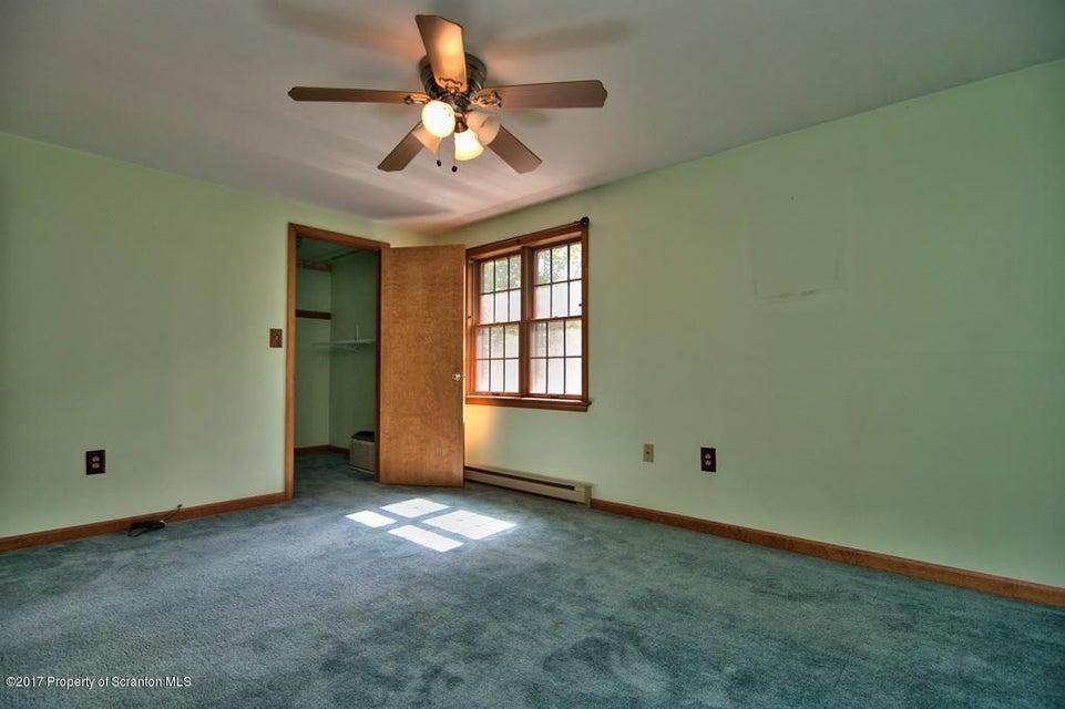 264 Gryzbowski Rd,Scott Twp,Pennsylvania 18414,3 Bedrooms Bedrooms,8 Rooms Rooms,2 BathroomsBathrooms,Residential,Gryzbowski,16-5317