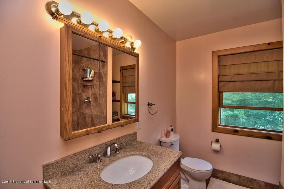 4001 Rear Pond View Dr,South Abington Twp,Pennsylvania 18411,4 Bedrooms Bedrooms,7 Rooms Rooms,3 BathroomsBathrooms,Residential,Rear Pond View,17-4094