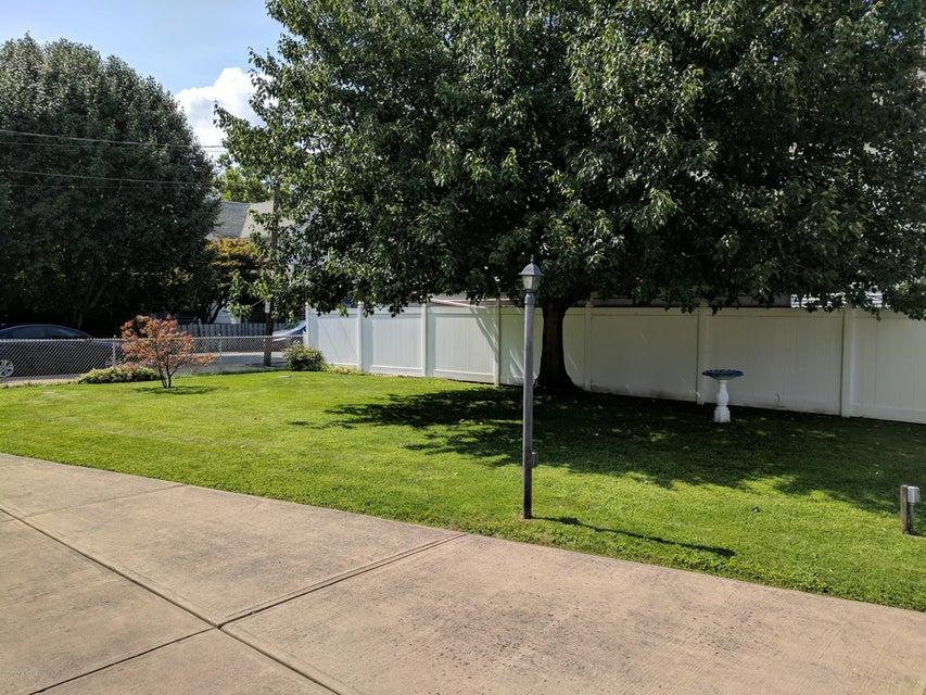 621-623 Bates St,Scranton,Pennsylvania 18509,2 Rooms Rooms,Multi-family,Bates,17-3304