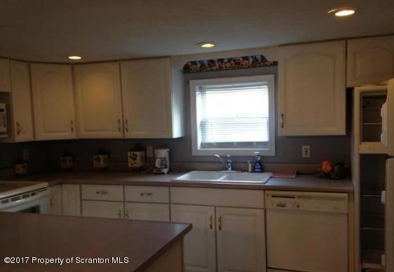 37 Jenkins Ct,Pittston,Pennsylvania 18640,4 Bedrooms Bedrooms,9 Rooms Rooms,Residential,Jenkins,17-4139