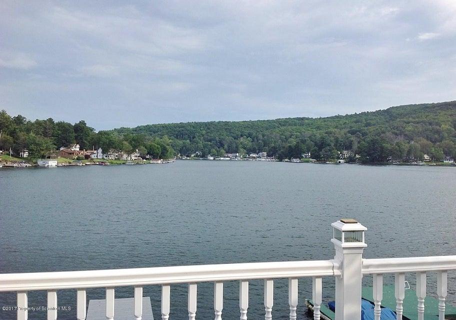333 Marina Ln,Lake Winola,Pennsylvania 18625,4 Bedrooms Bedrooms,7 Rooms Rooms,1 BathroomBathrooms,Residential,Marina,17-4114