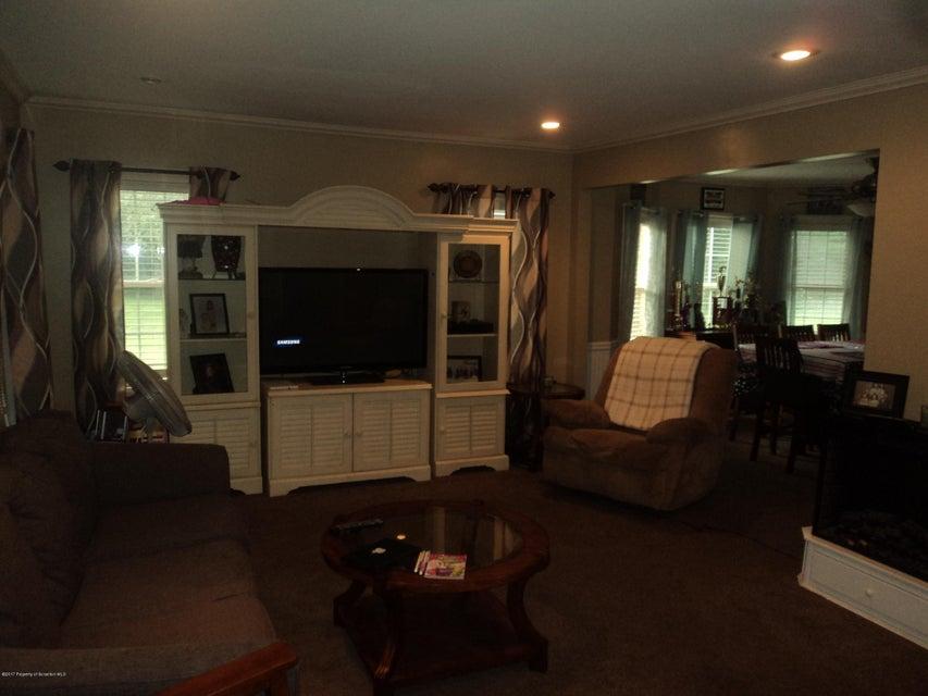 1500 Clary Living room