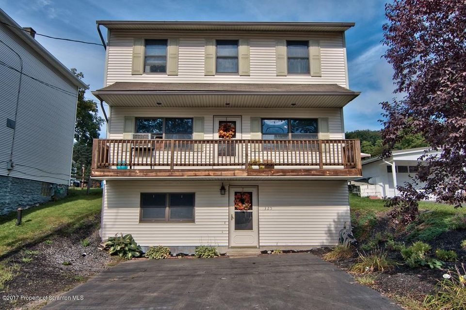 325 Depew Ave,Mayfield,Pennsylvania 18433,4 Bedrooms Bedrooms,6 Rooms Rooms,Residential,Depew,17-4806
