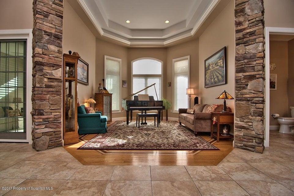 Foyer - Living Room View 01