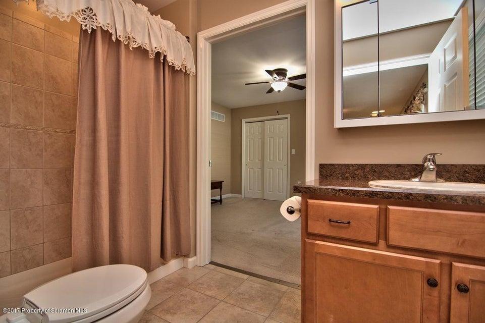 In-Law Suite - Bath View 2