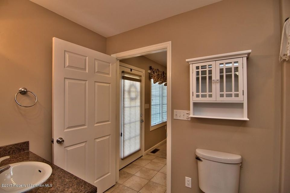 In-Law Suite - Bath View 3