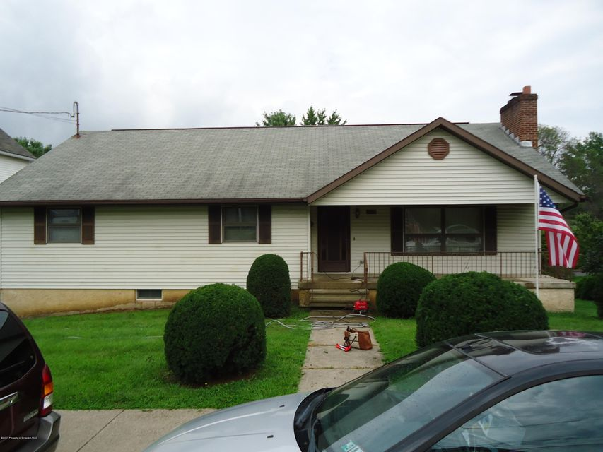 1442 Locust St,Scranton,Pennsylvania 18504,3 Bedrooms Bedrooms,6 Rooms Rooms,2 BathroomsBathrooms,Residential,Locust,17-4936