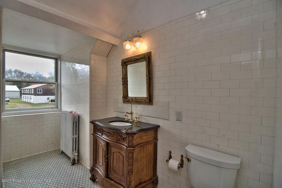 Hall Bath 2 View 1