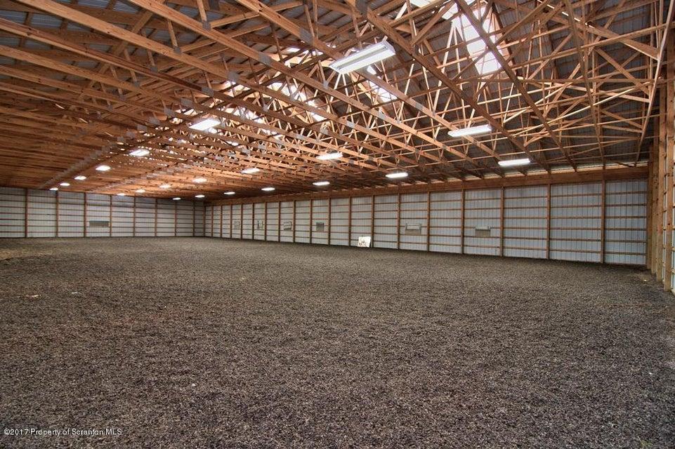 11, sq ft indoor arena000