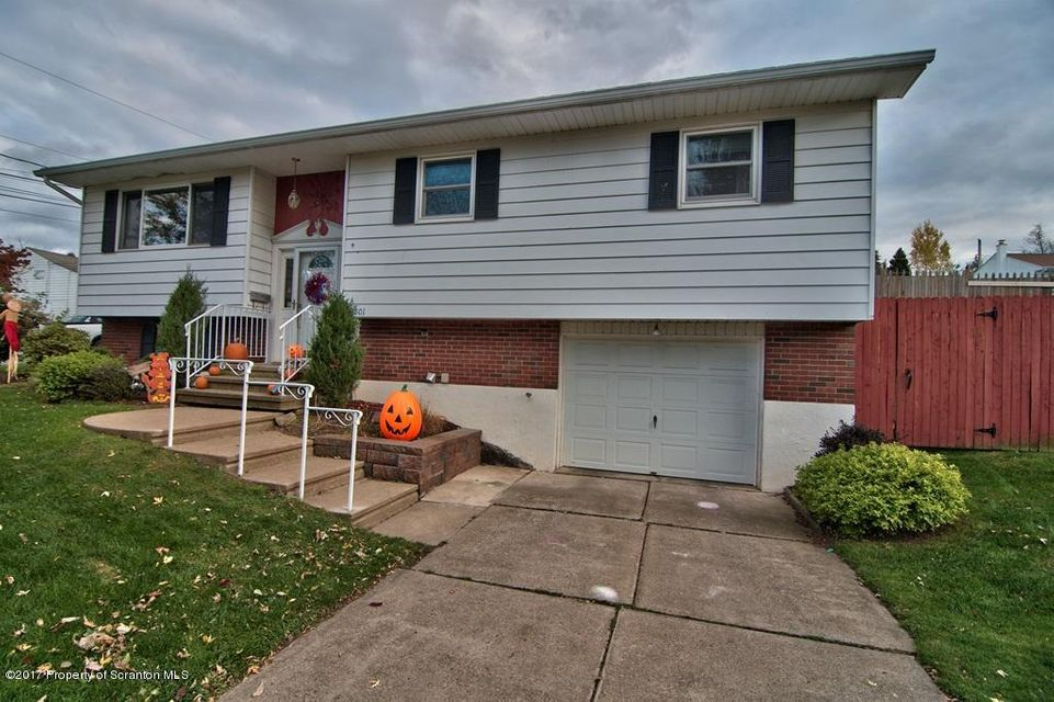 3801 Lydon Ln,Moosic,Pennsylvania 18507,3 Bedrooms Bedrooms,8 Rooms Rooms,2 BathroomsBathrooms,Residential,Lydon,17-5055