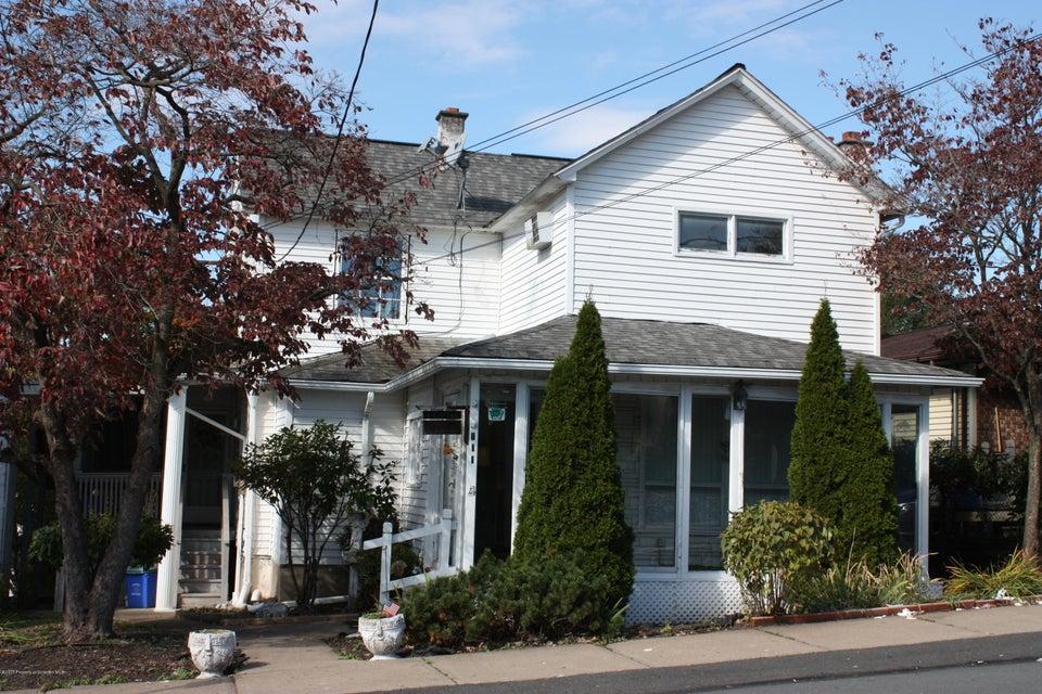 711 Foote Avenue,Duryea,Pennsylvania 18642,3 Bedrooms Bedrooms,7 Rooms Rooms,1 BathroomBathrooms,Residential,Foote,17-5082