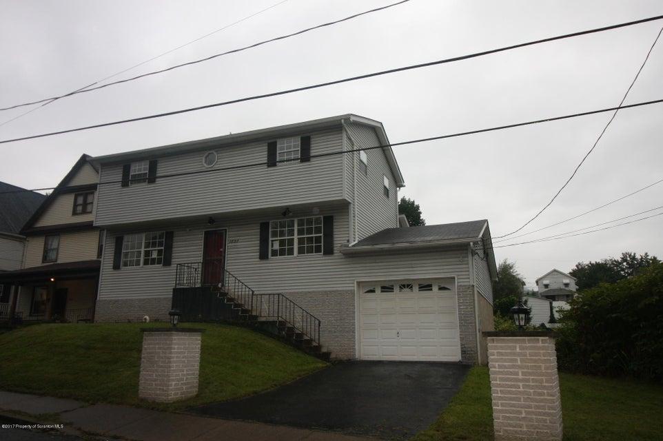 1827 Mcdonough Ave,Scranton,Pennsylvania 18508,3 Bedrooms Bedrooms,7 Rooms Rooms,1 BathroomBathrooms,Residential,Mcdonough,17-5585