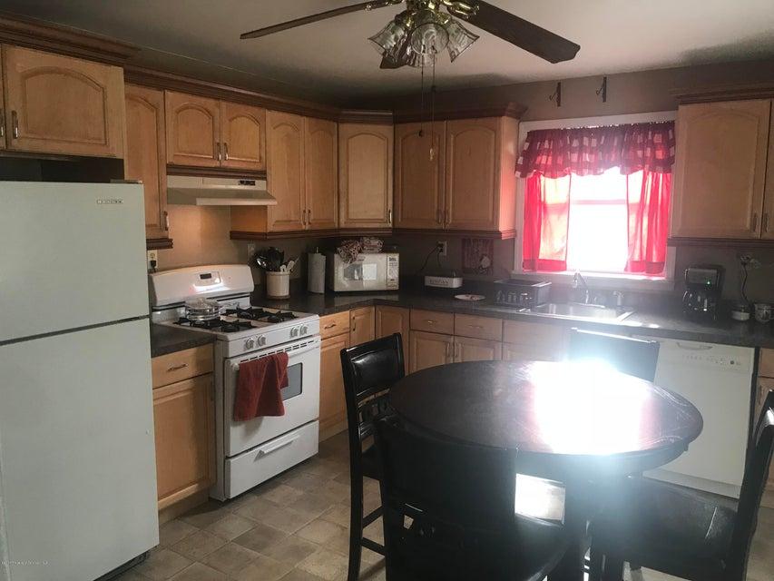 415 Luzerne St,Scranton,Pennsylvania 18505,3 Bedrooms Bedrooms,6 Rooms Rooms,1 BathroomBathrooms,Residential,Luzerne,17-5639