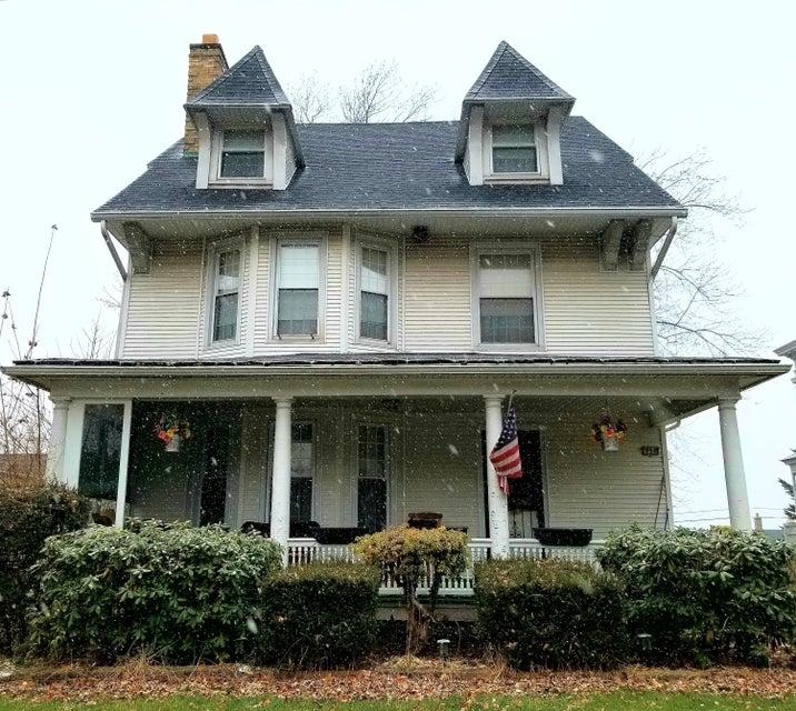 839 Clay Ave,Scranton,Pennsylvania 18510,5 Bedrooms Bedrooms,10 Rooms Rooms,4 BathroomsBathrooms,Residential,Clay,17-5717