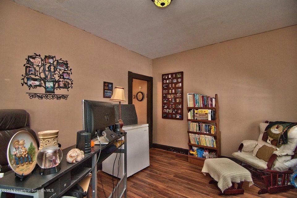 1341 Rundle St,Scranton,Pennsylvania 18504,2 Bedrooms Bedrooms,6 Rooms Rooms,1 BathroomBathrooms,Residential,Rundle,18-52