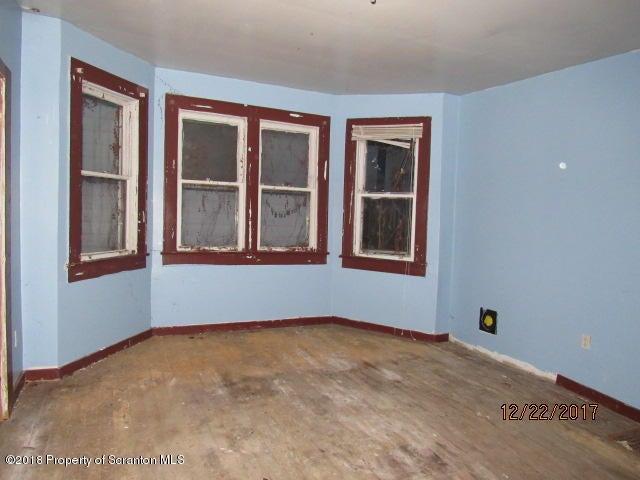 1405 Sumner Ave,Scranton,Pennsylvania 18504,4 Bedrooms Bedrooms,7 Rooms Rooms,1 BathroomBathrooms,Residential,Sumner,18-92