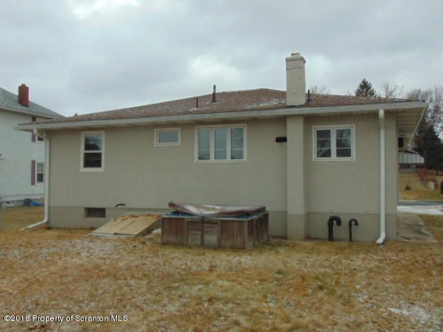 3008 Cedar Ave,Scranton,Pennsylvania 18505,3 Bedrooms Bedrooms,5 Rooms Rooms,1 BathroomBathrooms,Residential,Cedar,18-332