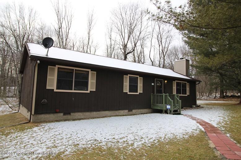 15 BEECH CIRCLE Lake Ariel,Pennsylvania 18436,3 Bedrooms Bedrooms,5 Rooms Rooms,2 BathroomsBathrooms,Residential lease,BEECH CIRCLE,18-439