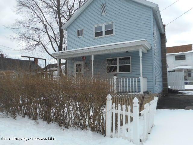 344 Delaware St,Jermyn,Pennsylvania 18433,3 Bedrooms Bedrooms,6 Rooms Rooms,1 BathroomBathrooms,Residential,Delaware,18-935