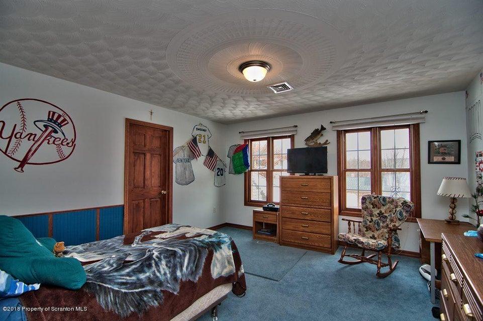 312 Skyline Dr Archbald,Pennsylvania 18403,5 Bedrooms Bedrooms,10 Rooms Rooms,3 BathroomsBathrooms,Residential,Skyline Dr,18-920