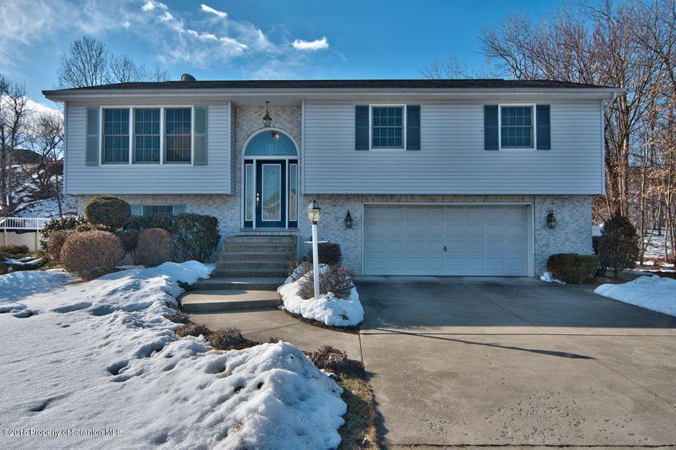 136 Northpoint Dr,Olyphant,Pennsylvania 18447,3 Bedrooms Bedrooms,7 Rooms Rooms,1 BathroomBathrooms,Residential,Northpoint,18-1104