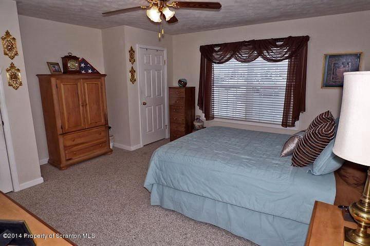 648 Marion Lane,Moosic,Pennsylvania 18507,2 Bedrooms Bedrooms,5 Rooms Rooms,2 BathroomsBathrooms,Residential lease,Marion,18-1159