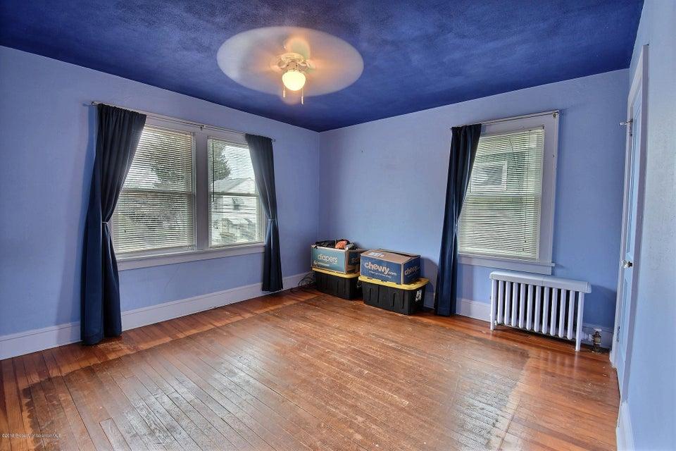 32 Eley Street,Kingston,Pennsylvania 18704,3 Bedrooms Bedrooms,6 Rooms Rooms,1 BathroomBathrooms,Residential,Eley,18-1520