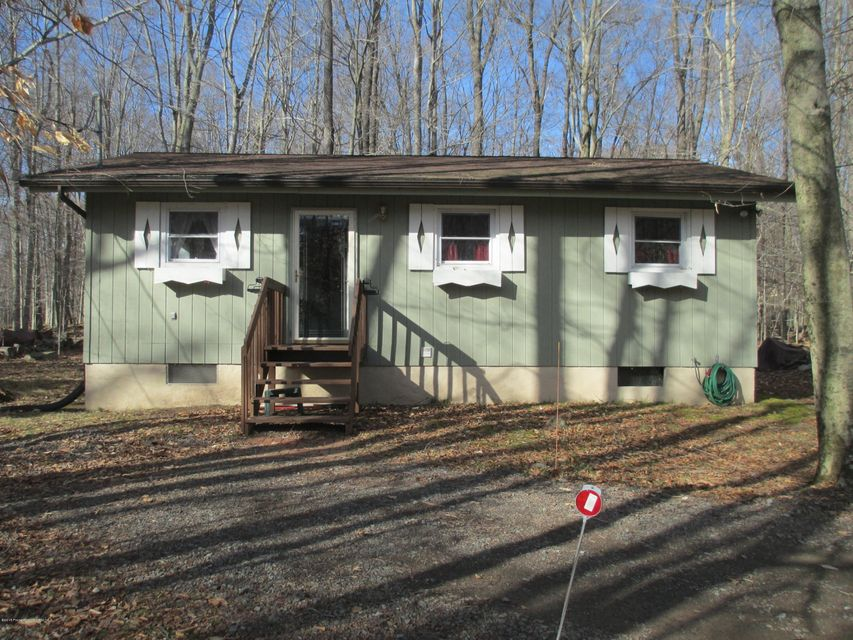 13 Lehigh River Dr,Gouldsboro,Pennsylvania 18424,3 Bedrooms Bedrooms,6 Rooms Rooms,1 BathroomBathrooms,Residential,Lehigh River,18-926