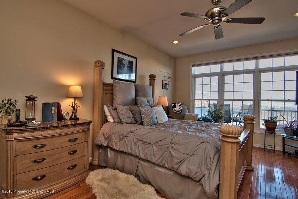 1106 Tennyson Cl Moosic,Pennsylvania 18507,4 Bedrooms Bedrooms,11 Rooms Rooms,2 BathroomsBathrooms,Residential,Tennyson Cl,18-1877