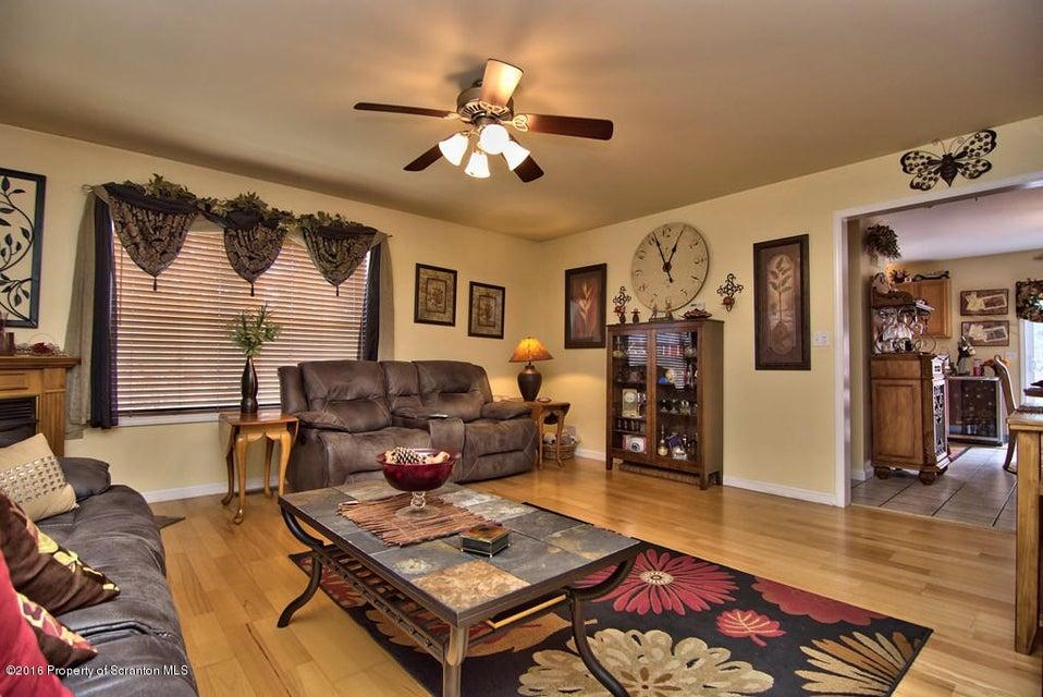 200 Park Edge Ln,Scranton,Pennsylvania 18504,3 Bedrooms Bedrooms,5 Rooms Rooms,1 BathroomBathrooms,Residential,Park Edge,18-1987