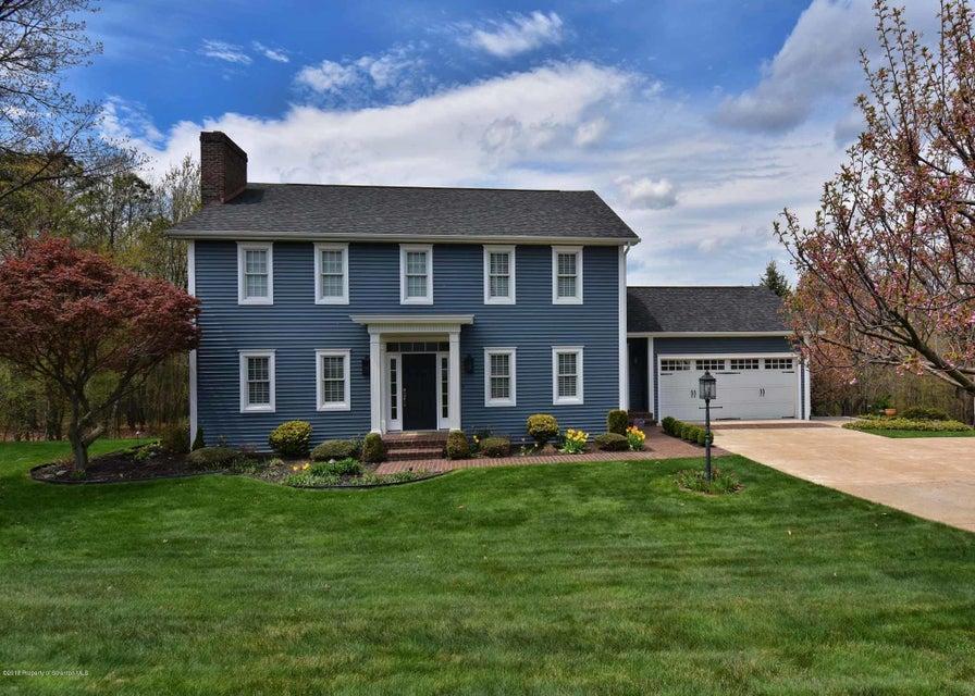129 Highland Drive,Pittston,Pennsylvania 18640,4 Bedrooms Bedrooms,9 Rooms Rooms,3 BathroomsBathrooms,Residential,Highland,18-1925