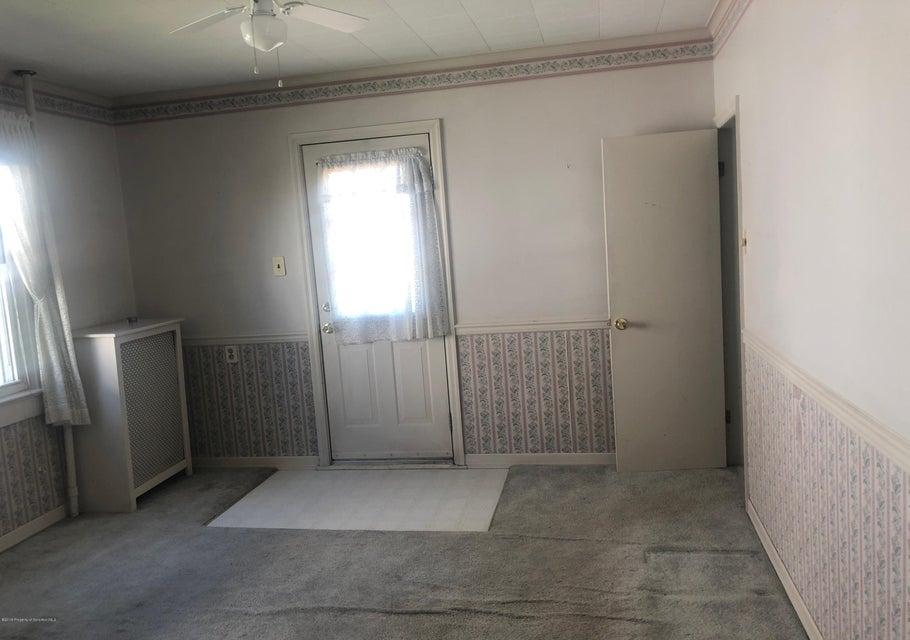 917 Elm St,Scranton,Pennsylvania 18505,2 Bedrooms Bedrooms,6 Rooms Rooms,1 BathroomBathrooms,Residential,Elm,18-2429