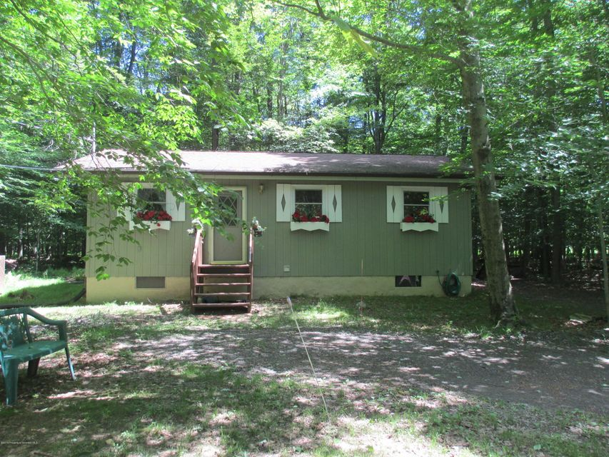 13 Lehigh River Dr,Gouldsboro,Pennsylvania 18424,3 Bedrooms Bedrooms,6 Rooms Rooms,1 BathroomBathrooms,Residential,Lehigh River,18-926