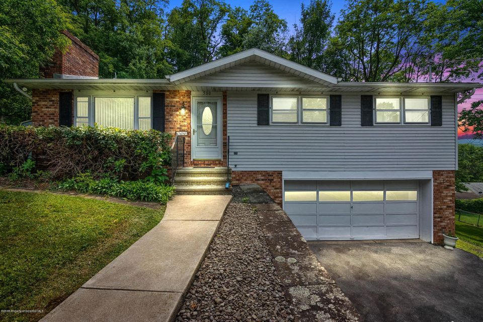 500 Maple Ave,South Abington Twp,Pennsylvania 18411,3 Bedrooms Bedrooms,8 Rooms Rooms,2 BathroomsBathrooms,Residential,Maple,18-2767