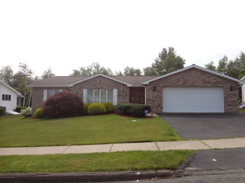 604 Swinick Dr,Dunmore,Pennsylvania 18512,2 Bedrooms Bedrooms,5 Rooms Rooms,2 BathroomsBathrooms,Residential,Swinick,18-2897